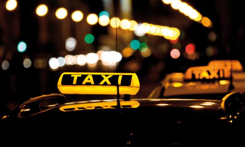 Taxi / Mietwagen